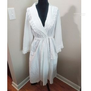 Vintage Styled White Robe